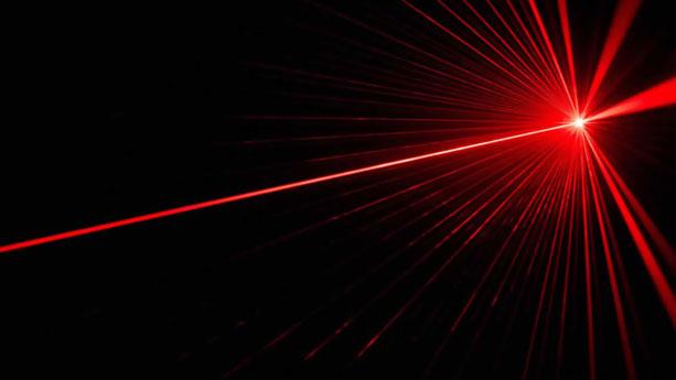 اختراع لیزر