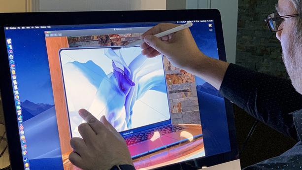 اختراع صفحه نمایش لمسی